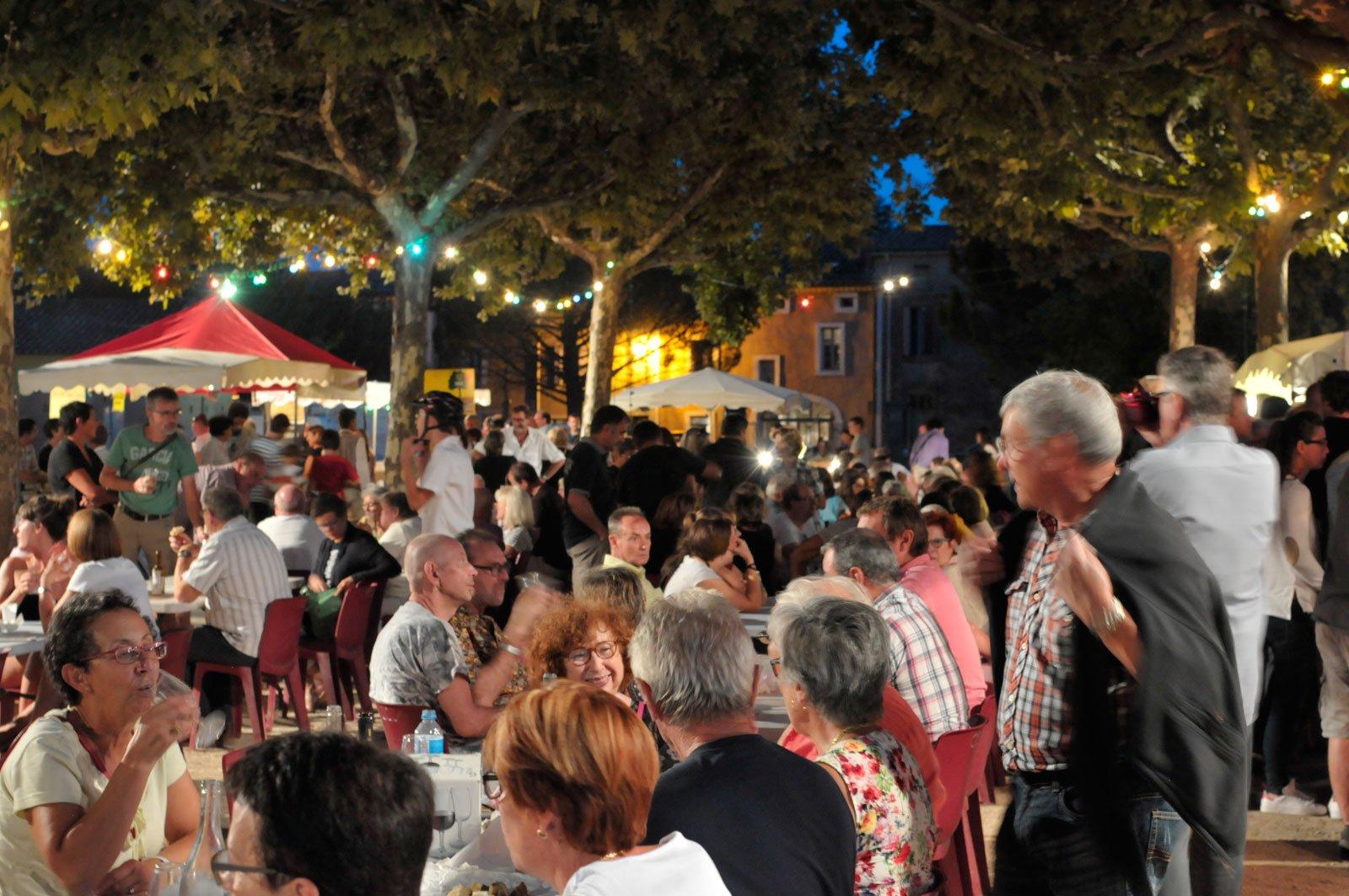 Night market Uzès